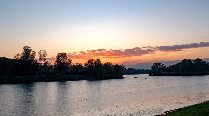 Veslači na jezeru Jarun